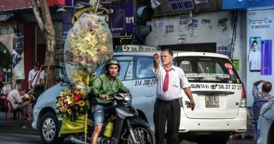 Inside people Saigon by Dino Morri