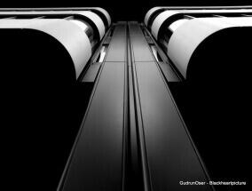 The elevator by Gudrun Oser: fb/gudrun.oser