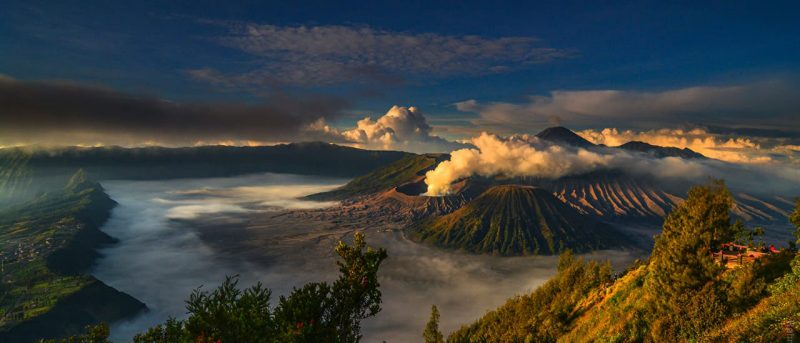 Indonesia by Indonesian: <br /> The country through the eyes of its people