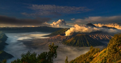 Indonesia by Indonesian: The country through the eyes of its people