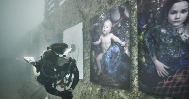 Sinking World: The Plastic Ocean Project by Andreas Franke