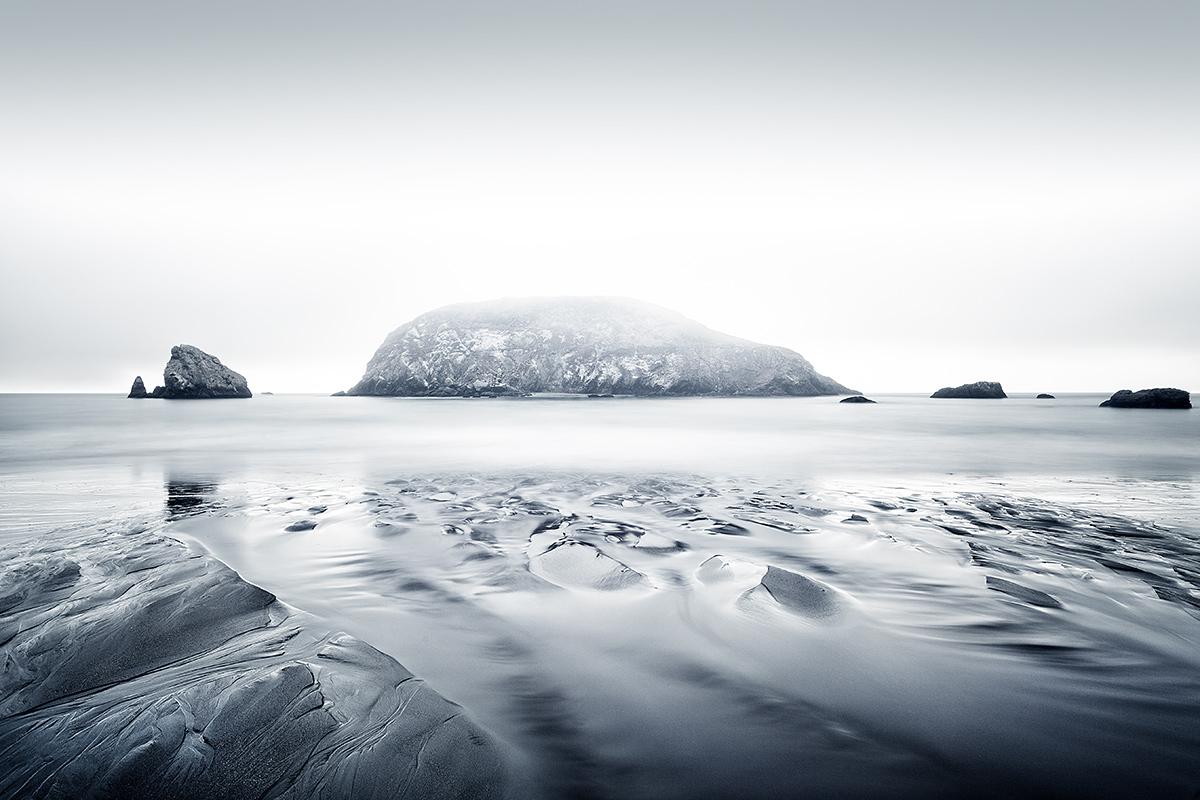 Rocky coast by Gundula Walz