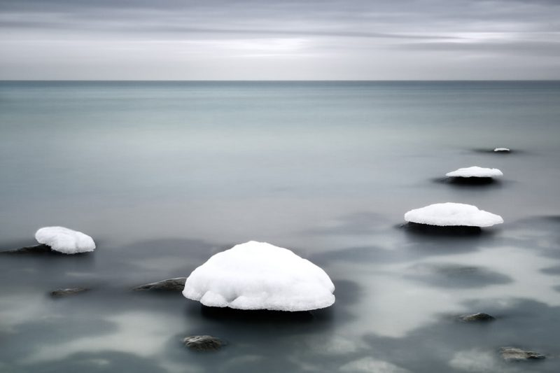 Wintery Sea by Gundula Walz