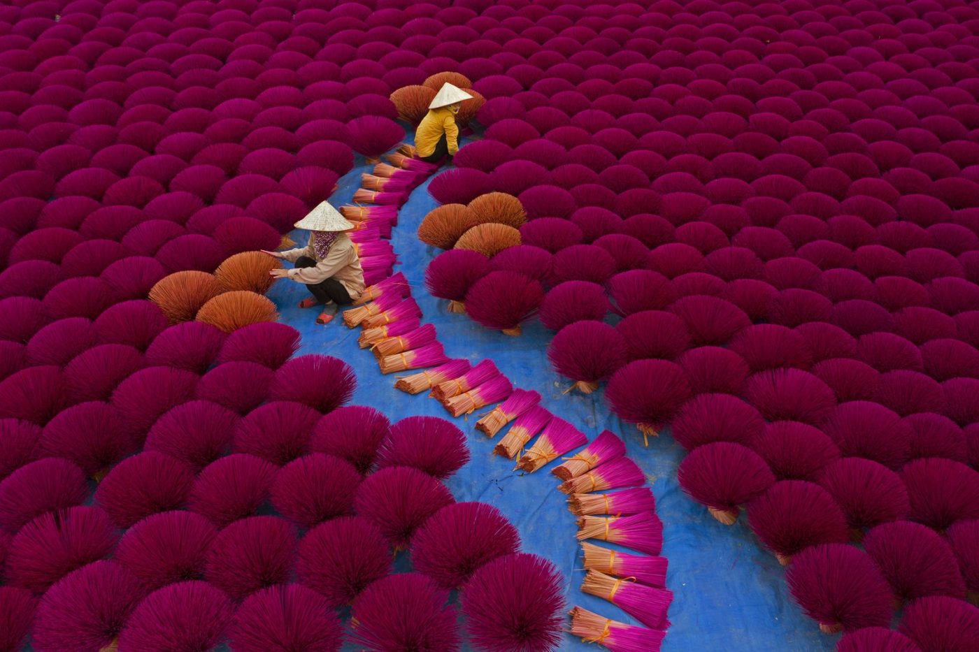 PEOPLE: INCENSE WORKERS by AZIM KHAN RONNIE (BANGLADESH) REMARKABLE REWARD