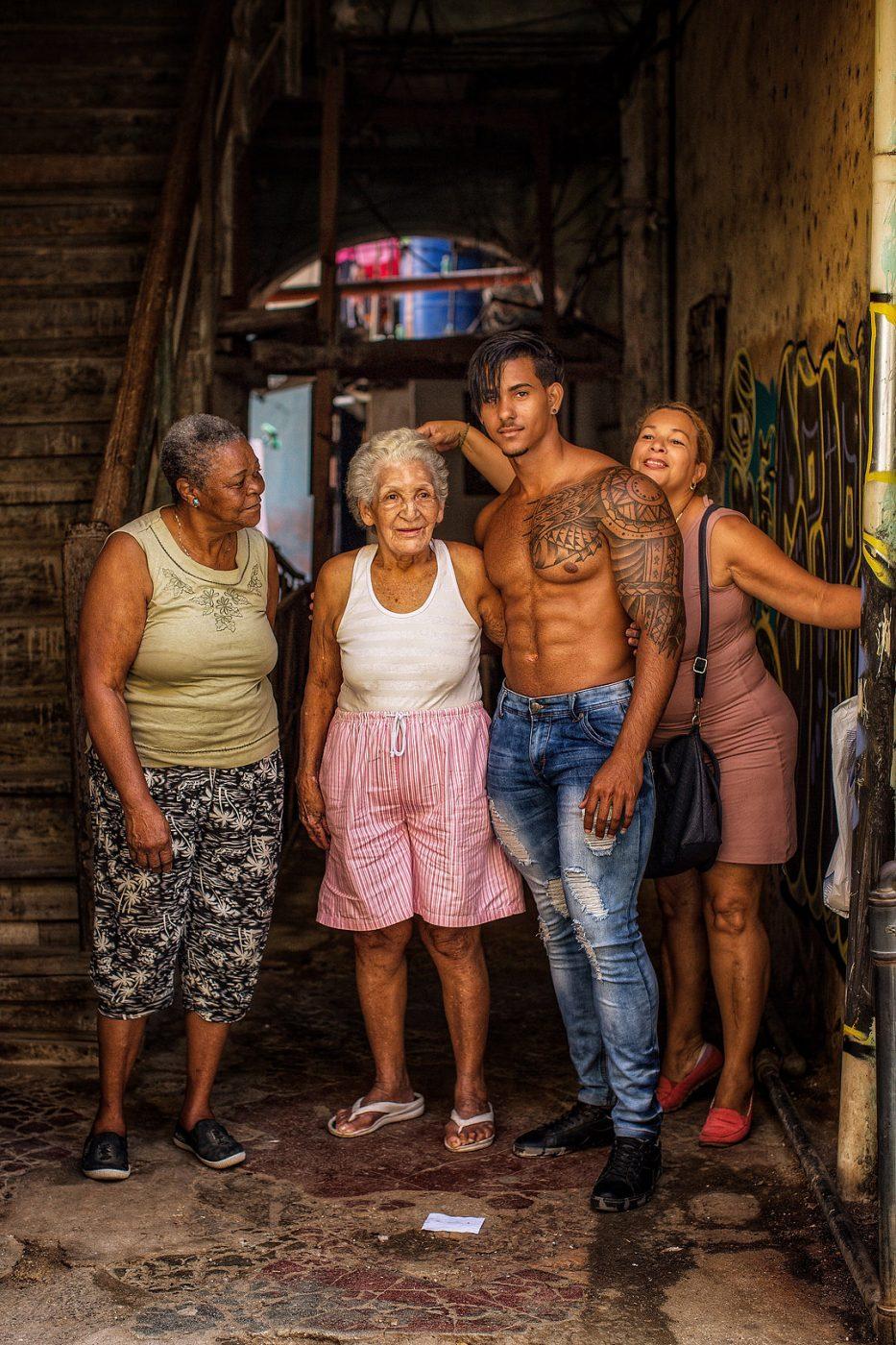 Cuba 4) by Robin Yong