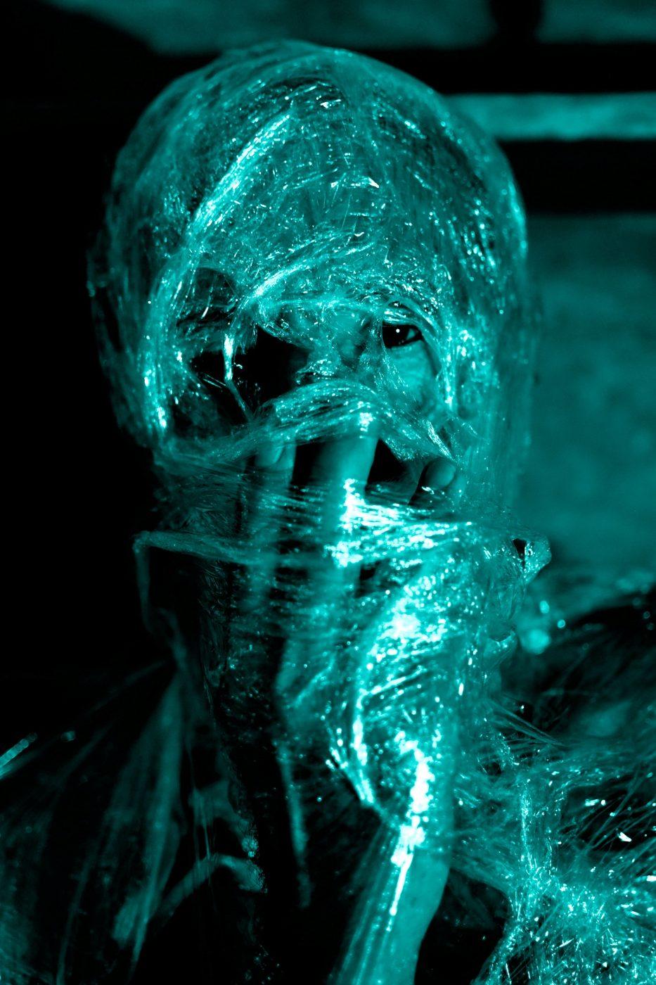 The-plastik-world-n°4-by-Laura-Malaterra-17c5fac2220d4359b866877c0a166304