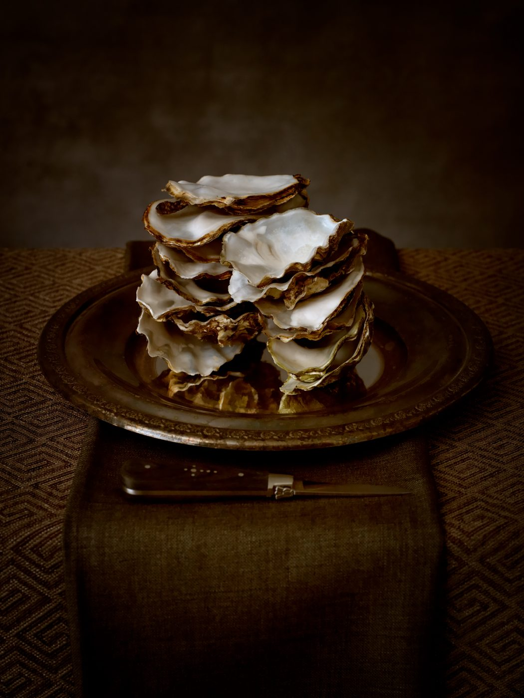 Renata Dutree: Oysters on a Plate
