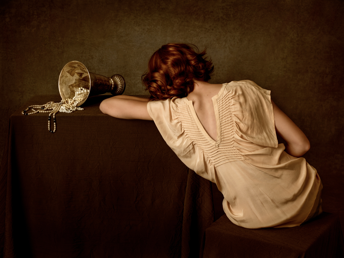 Renata Dutree: Time Will Tell, Woman with Vase and Pearls